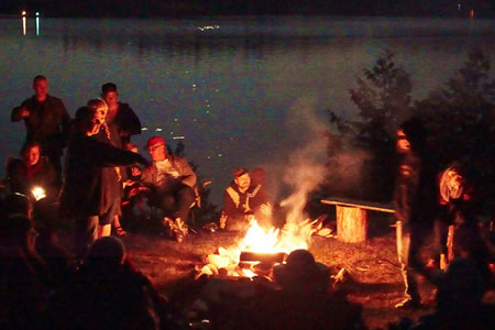 Campfires are enjoyed in the evening at Fernleigh Lodge.
