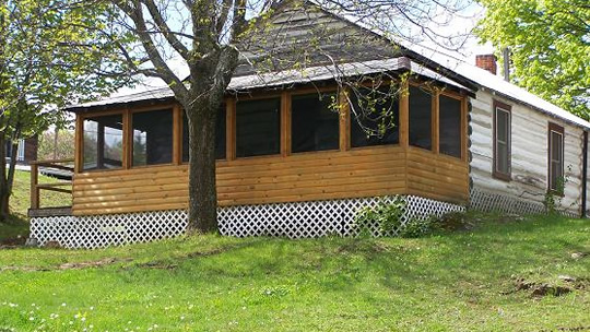 The Manor Cabin at Fernleigh Lodge - Ontario's Fishing and Family Resort.